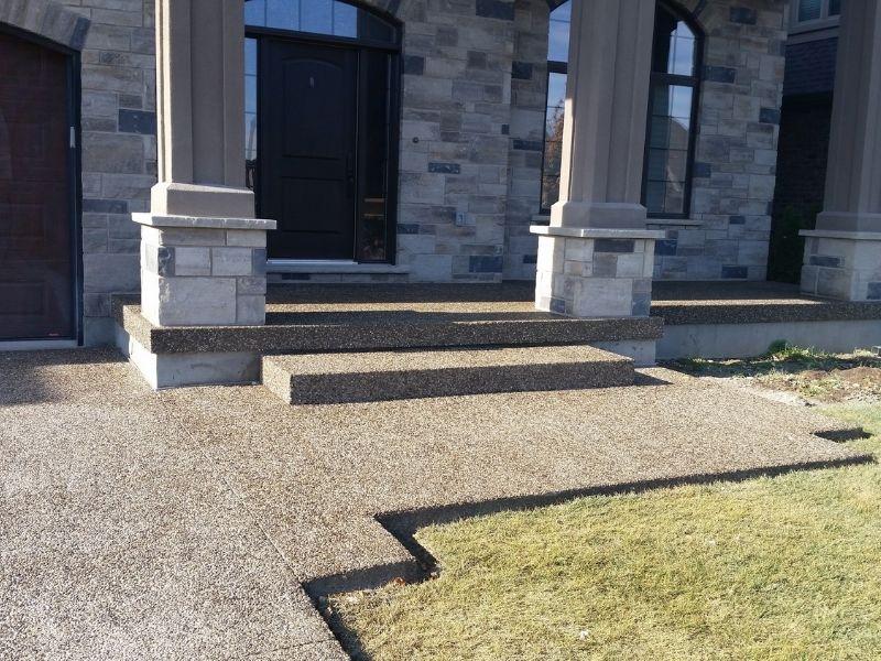 Bê tông đá rửa có chi phí sửa chữa thấp mỗi khi có vấn đề cần sửa chữa