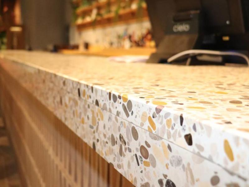 Thiết kế Terrazzo bar mới lạ và hút mắt